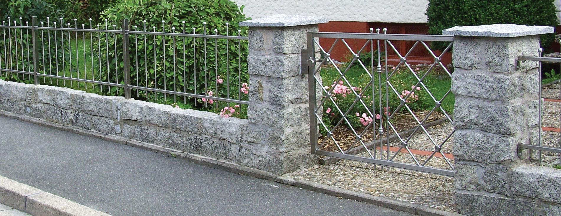 fence house design gartenzaun lochblech. Black Bedroom Furniture Sets. Home Design Ideas